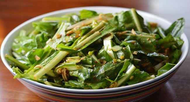 салат из одуванчиков-как приготовить-рецепты